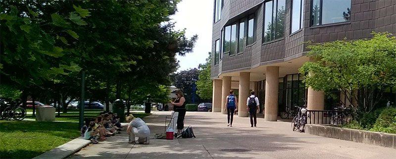 Outside view of Oak Park Public Library